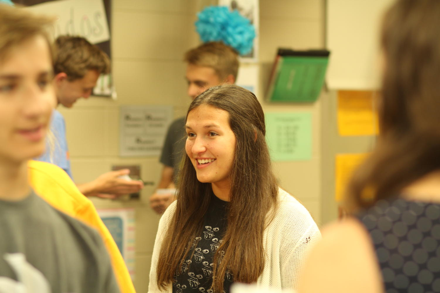 Madison Chedester collaborates with other students during Spanish IV.