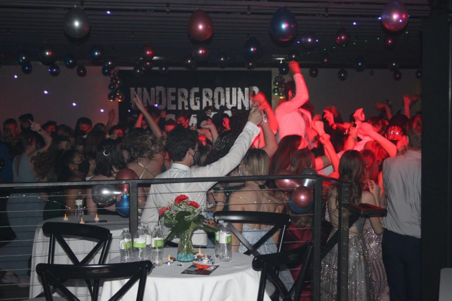 The+Underground+Prom+was+held+at+The+Social+on+April+24+from+7-11+p.m.+