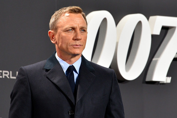 """Daniel Craig gives his final goodbye to his 15 years playing the role of James Bond in the final epic """"No Time to Die."""""""